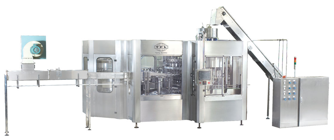 PET Bottle Automatic Rinsing Filling And Capping Machine , Carbonated Filling Machine